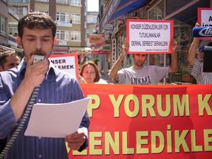 Hukuksuzluğa Protesto..