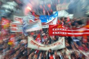 İşçiler Fransa'yı sallıyor!